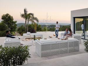 Outdoor Sofa DNA (© Gandiablasco)