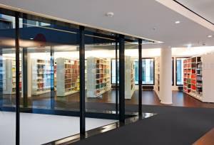 Bibliothek (© Sabine Vielmo)