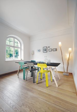 Pressed Chair Design: Harry Thaler (© Nils Holger Moormann)