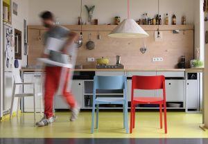 Stuhl 330 Design: Läufer + Keichel (© Thonet)