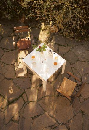 Tisch Last Minute (© Jäger&Jäger)