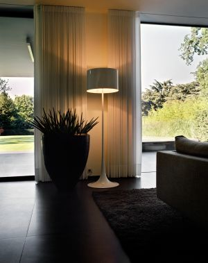 Stehleuchte Spun Light (© Flos)