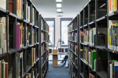 Bibliothek (© HG Esch)