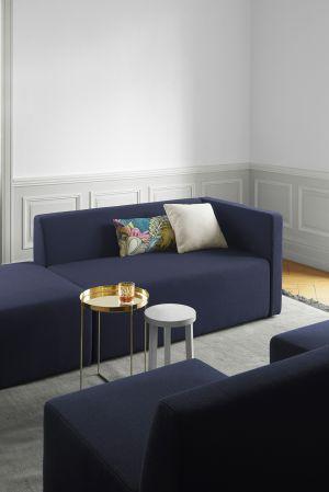 Sofa Kerman, Beistelltische Alex und Habibi (© E15)