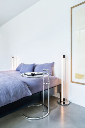Adjustable Table, Tube Light - authorised by The World Licence Holder Aram Designs Ltd. (© Daniel Breidt)