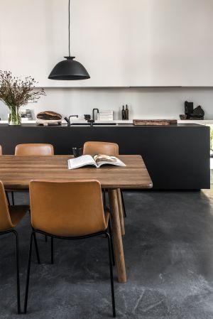 Stuhl Pato Kollektion, Tisch Taro (© Fredericia)