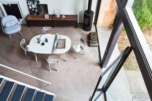 Sessel Pinya, Tisch und Stuhl Deja Vù (© Magis)