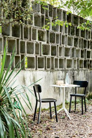 Tisch Central, Stuhl Deja-Vù (© Magis)
