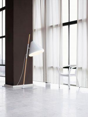 Hello Floor Lamp (© Normann Copenhagen)