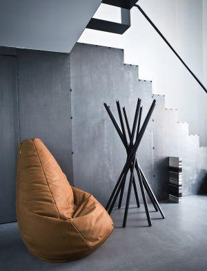Sitzsack Sacco, Garderobe Sciangai (© Zanotta)