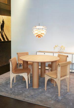 Shigeru Ban Tisch und Stühle (© WB Form)