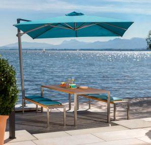 Tisch und Bänke Flip, Freiarmschirm (© Weishäupl Möbelwerkstätten)