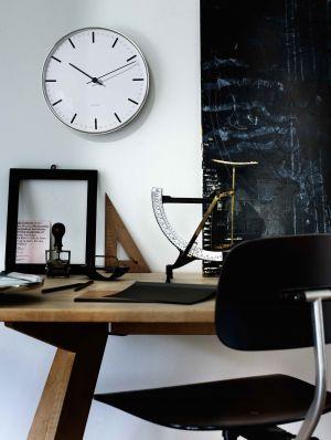 Arne Jacobsen Wall Clock (© Rodendahl)