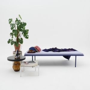 2 PM Daybed, Petite table d'angle (© Atelier Haußmann)