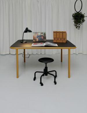 Bologna Tisch, Dr.Ed Drehhocker (© Atelier Haußmann)