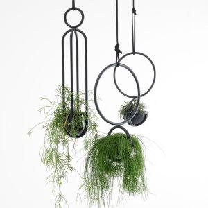 Blumenampel und Blumenkugel (© Atelier Haußmann)