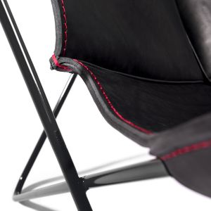 Butterfly Chair - Gestell Schwarz/Naht Rot (© Manufaktur plus)
