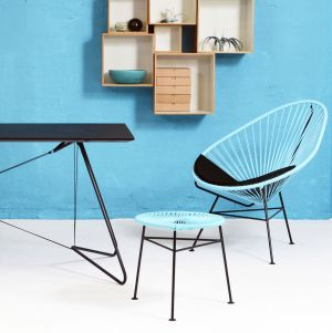 Acapulco Chair & Centro Hocker (© OK Design)