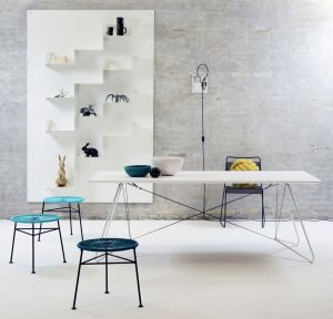 OAS Table & Centro Hocker (© OK Design)