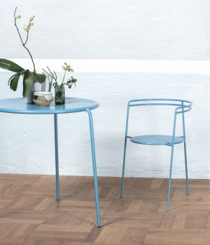 Point Table & Point Chair (© OK Design)