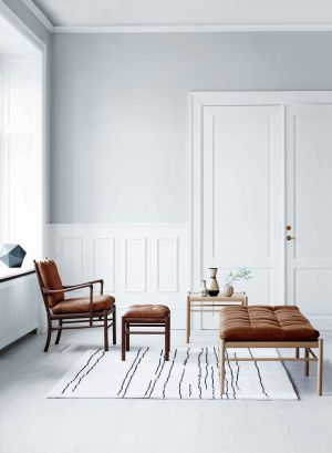 Colonial Chair, Table & Daybed (© Carl Hansen)