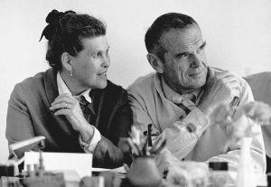"Die Rückkehr des ""Eames Fiberglass Chair"" (© vitra)"