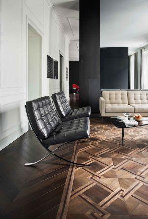 Barcelona Chair (© Knoll International)