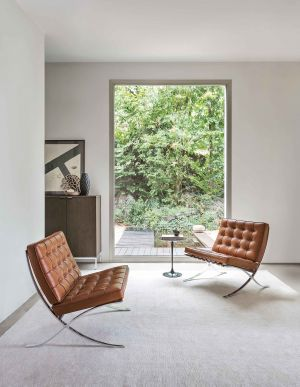 Barcelona Chair (© Knoll International)