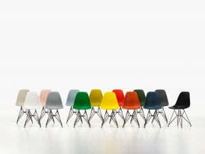 Eames Plastic Chair-alle Farben (© Vitra)
