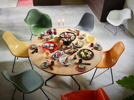Eames Fiberglass Chairs (© Vitra)
