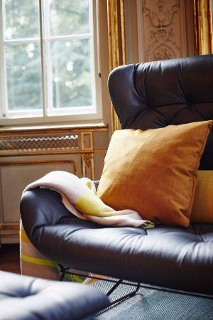 Leya Wingback Couch (© Janua/Freifrau)