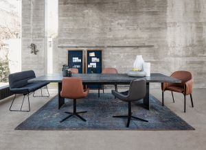 Tisch SK 08 Butterfly, Bank Leya, Stühle Celine und Leya (© Janua/Freifrau)