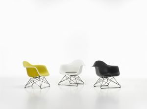 Lounge Height Armchair Rod Base (© Vitra)