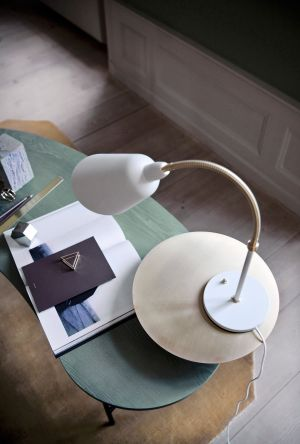 Palette Desk, Leuchte Bellevue (© &Tradition)