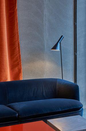 Leuchte AJ Floor (© Louis Poulsen)