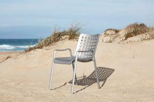 Landi Chair (© Vitra)