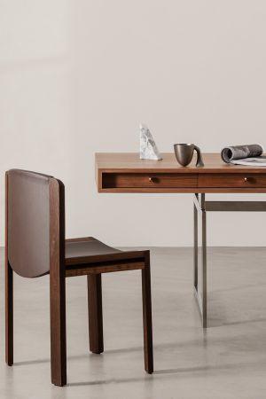 Office Desk (© Karakter)